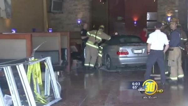 Car crashes through Clovis Me-N-Ed's