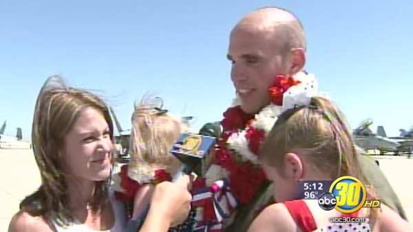 U.S.S. Carl Vinson pilots return to Lemoore Naval Air Station