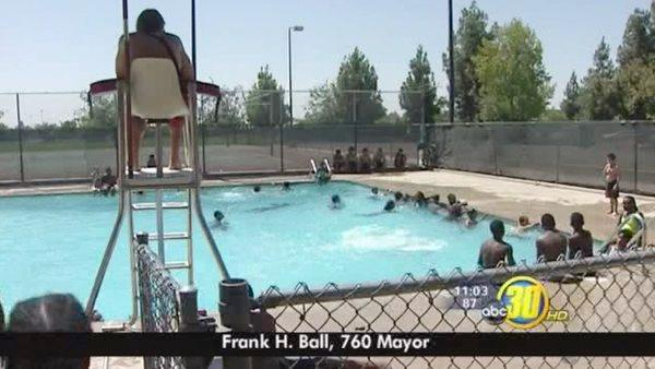 Fresno City crews help people beat the heat