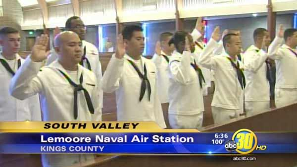 12 U.S. Navy sailors become American citizens