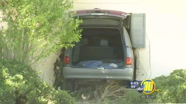 Driver loses control of car and drives into Fresno home