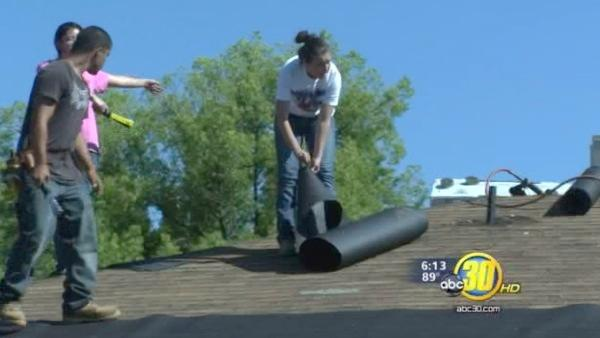Students work to renovate low-income homes in Clovis