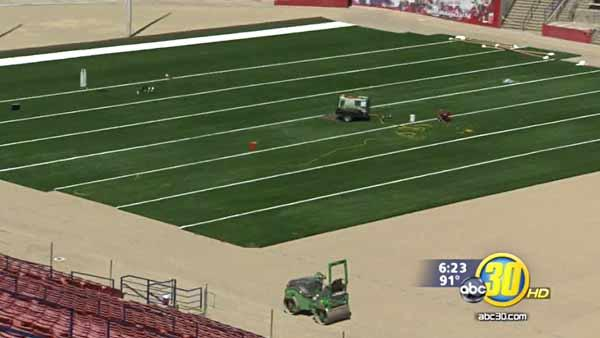 Fresno State rolls out new turf