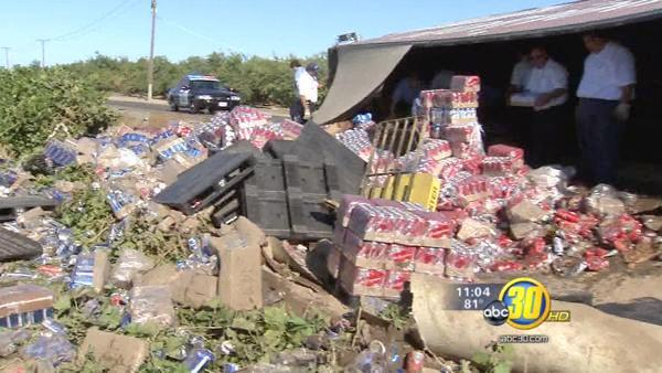 Beer truck overturns near Kerman