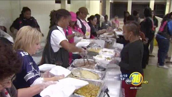 Businesses and motorcycle clubs give free holiday meal