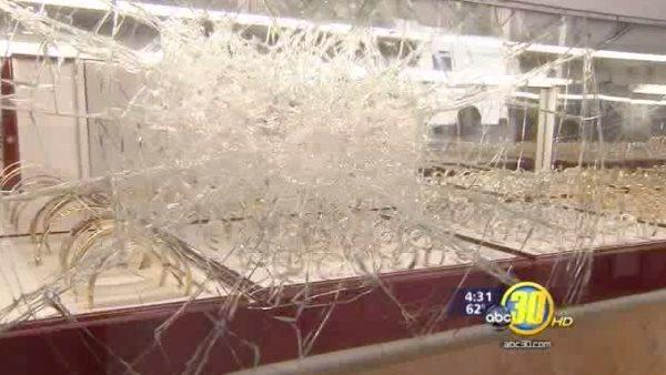 downtown fresno jewelry store theft thwarted