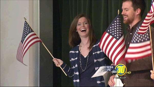 Sanger Unified teacher becomes US citizen at school