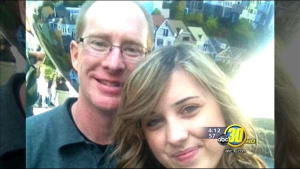 Modesto teacher quits, leaves wife, moves in with student
