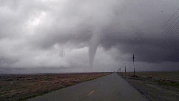 Tornado touches down in Fresno County