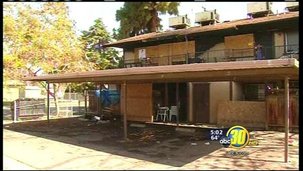 Apartment fire displaces four Visalia families