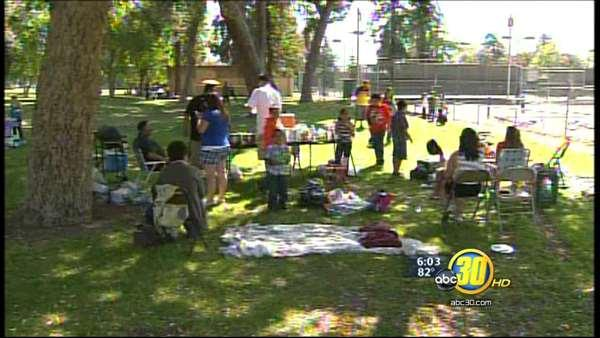 Valley families celebrate Easter at local parks