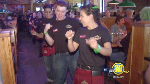 Texas Roadhouse Opens in NW Fresno