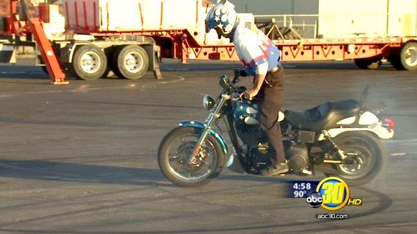 Spokes-N-Rods show raises money for Terry's House