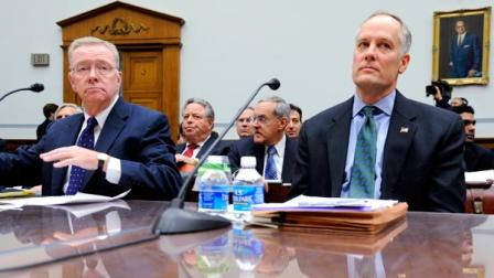former Freddie Mac CEO Richard Syron, left, and former Fannie Mae CEO Daniel Mudd