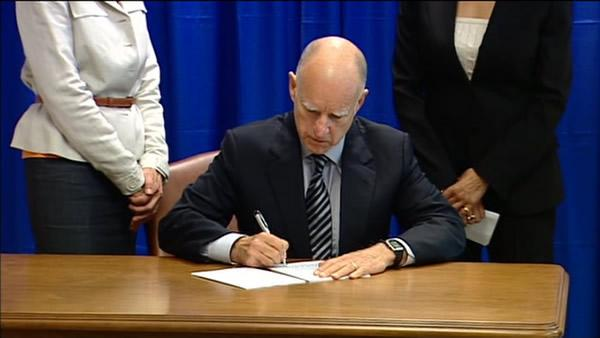 Gov. Brown signs Homeowner Bill of Rights