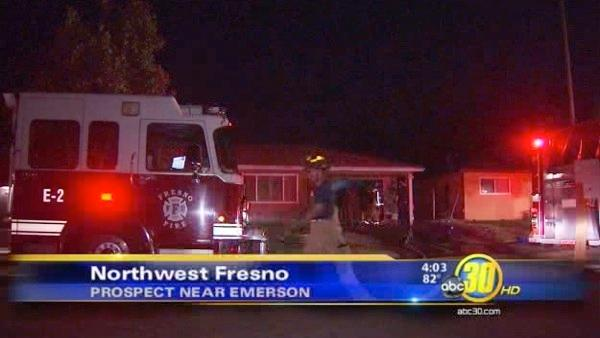 Family escapes Northwest Fresno house fire