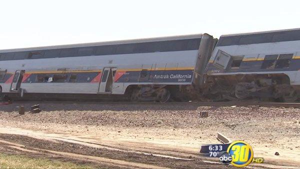 Tracks re-open after Amtrak train crash near Hanford