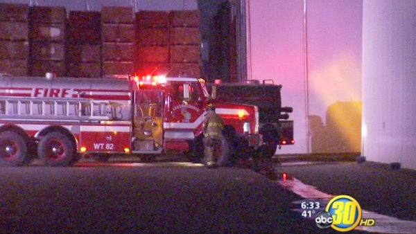 Fire damages raisin packing plant in Caruthers
