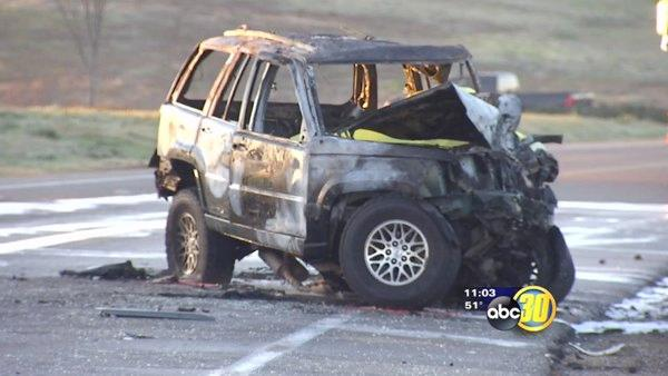 Two dead in fiery Fresno County crash