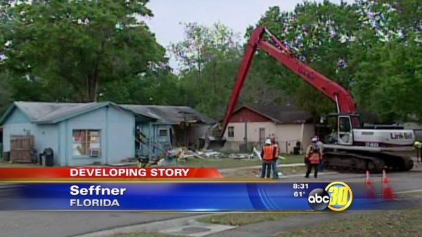 Florida officials demolish sinkhole home