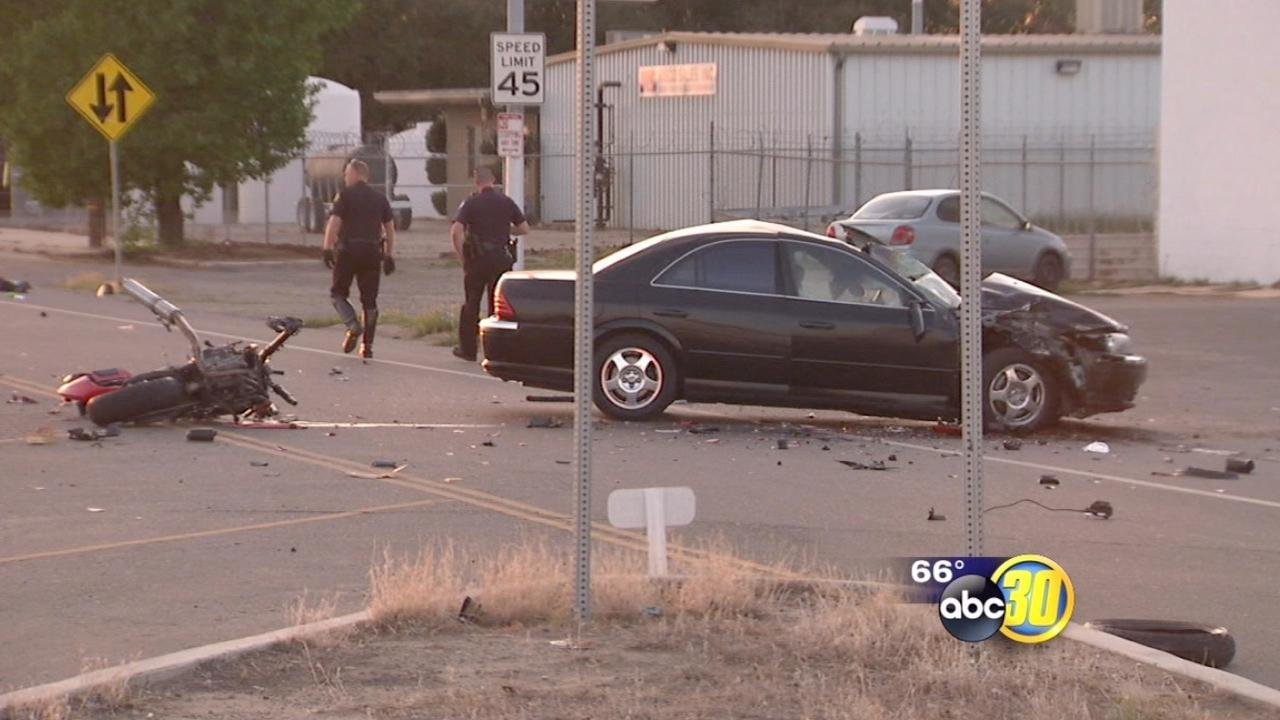 Motorcyclist dead after crash in Fresno