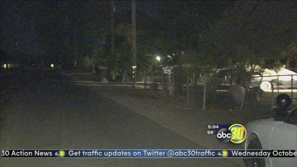 Robbers impersonating police try invading a Fresno County home