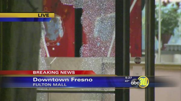 One person shot near the ice rink at Fresno's Fulton Mall