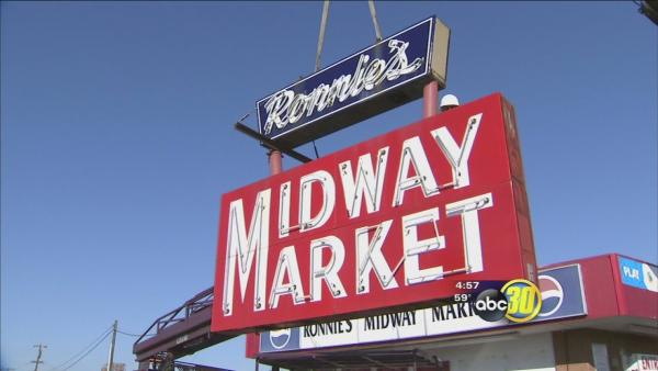 Ronnie's Midway Market in Pinedale comes down