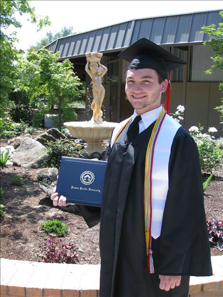 "<div class=""meta ""><span class=""caption-text "">Fresno Pacific University 2013 -- Brennen Henry graduated with a double major in English & Biblical Studies. (KFSN Photo/ uReport)</span></div>"