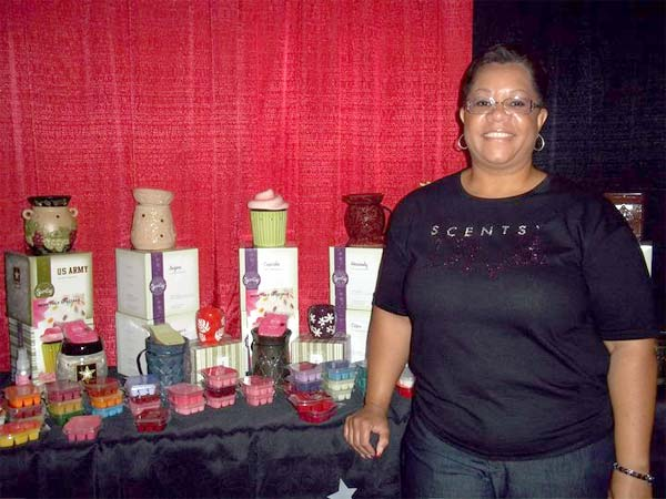 "<div class=""meta ""><span class=""caption-text "">(Scentsy Wickless Candles definitely had the best smelling booth at the Bacehlor Casting event! )</span></div>"