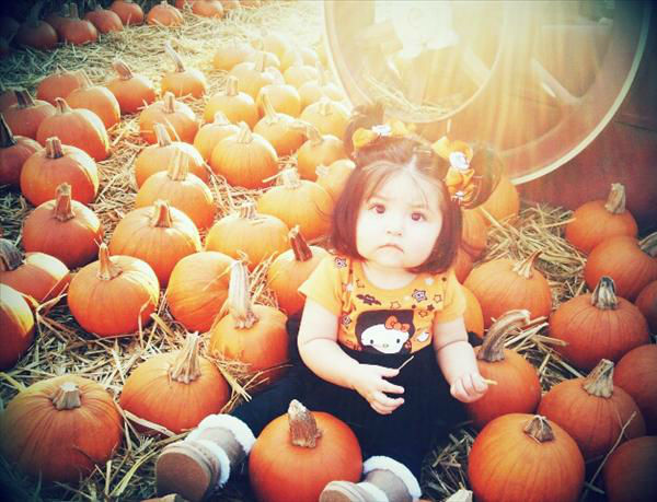 7 Month old Amiah at the pumpkin patch.  <span class=meta>(KFSN Photo&#47; uReport.abc30.com)</span>