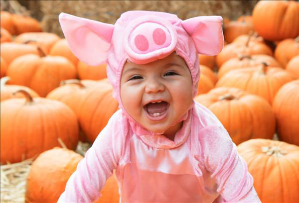 Cayla -- My little piggy @ The Patch in Old Town Clovis.  <span class=meta>(KFSN Photo&#47; uReport.abc30.com)</span>