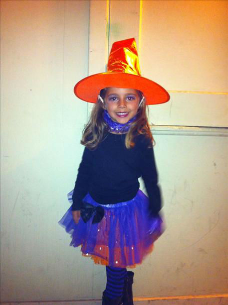 Cutest little witch in town! <span class=meta>(KFSN Photo&#47; uReport.abc30.com)</span>