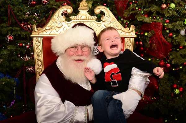 Awkward Santa photo <span class=meta>(kennyrz - uReport)</span>