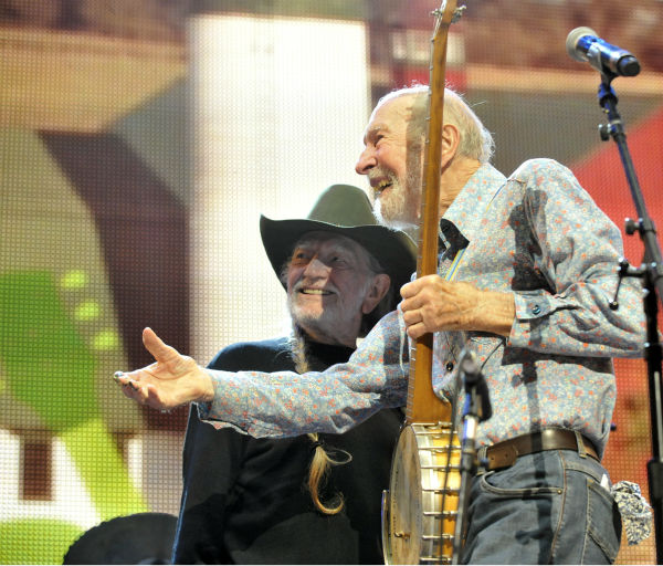 Pete Seeger and Willie Nelson on stage during the Farm Aid 2013 concert at Saratoga Performing Arts Center in Saratoga Springs, N.Y., Saturday, Sept. 21, 2013. &#40;AP Photo&#47;Hans Pennink&#41; <span class=meta>(Photo&#47;HANS PENNINK)</span>