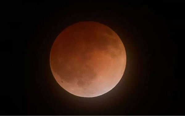 Blood moon as seen around the Valley <span class=meta>(KFSN Photo&#47; Facebook &#47; Matt Guisti)</span>