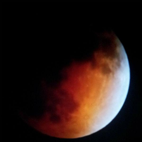 Blood moon as seen around the Valley <span class=meta>(KFSN Photo&#47; Facebook &#47; Andrea Andrade Agabo)</span>