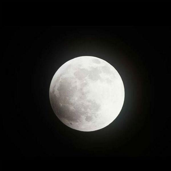 Before the Blood Moon at 10:50 p.m. <span class=meta>(KFSN Photo&#47; Facebook &#47; Chris Geiger)</span>