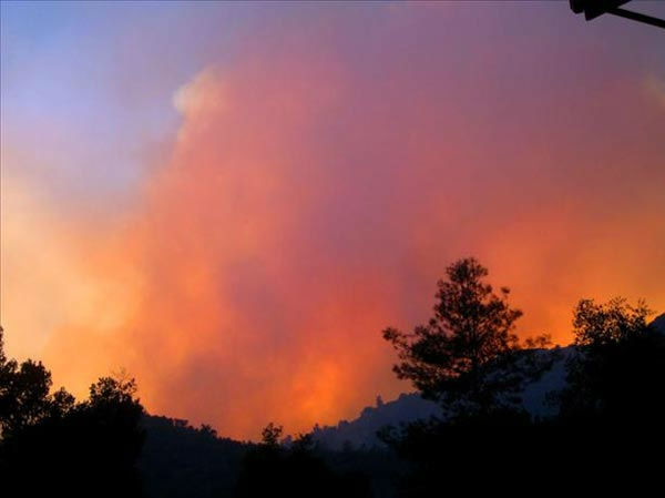 The Motor Fire burning near El Portal and the HWY 140 entrance to Yosemite. <span class=meta>(Cindy Miller)</span>