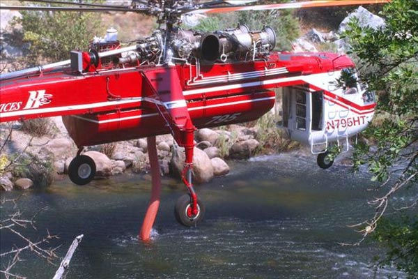 8-25-11 Helicopter loading water from the Merced River in El Portal, CA <span class=meta>(wingsofangels)</span>