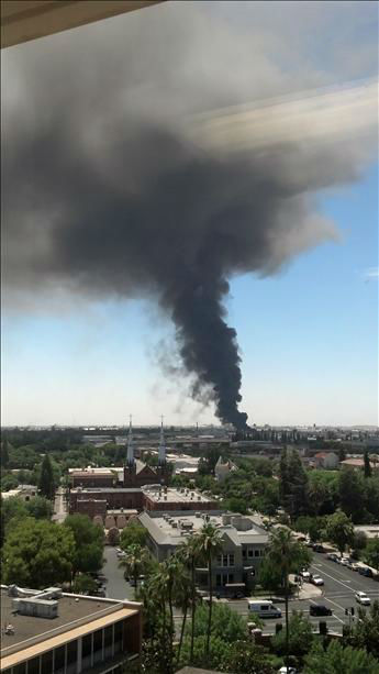 View of fire from the top of Community Regional Medical Center <span class=meta>(KFSN Photo&#47; uReport.abc30.com)</span>