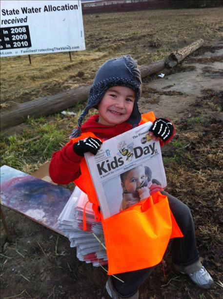 "<div class=""meta ""><span class=""caption-text "">This is Pierce Garrison, 5 years old helping mom, Leah member of the King's Guild!! (KFSN Photo/ uReport)</span></div>"