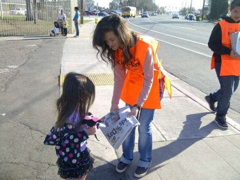 Izzy buying a kids day paper at Maple school in Tulare <span class=meta>(KFSN Photo&#47; uReport)</span>