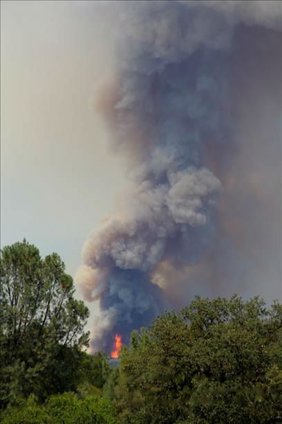Carstens Fire in Mariposa County <span class=meta>(KFSN Photo&#47; uReport &#47; John-Mark Brix)</span>