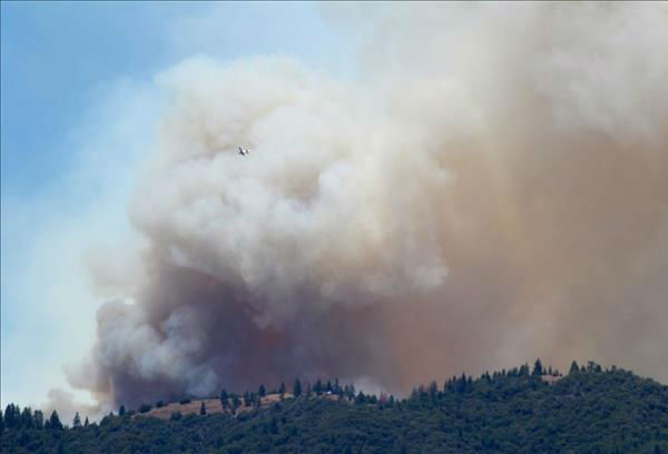 Air Tanker Flying over the Carstens Fire <span class=meta>(KFSN Photo&#47; uReport &#47; John-Mark Brix)</span>