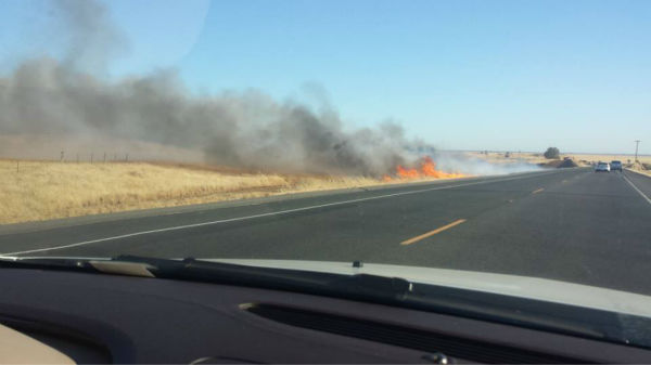 Rolling Fire off Highway 41 <span class=meta>(KFSN Photo&#47; Facebook &#47; Zach Keller)</span>