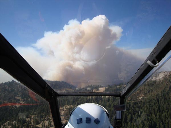 A pilot's view of the Aspen Fire burning on the Sierra National Forest.