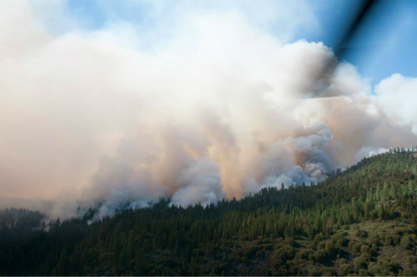 "<div class=""meta image-caption""><div class=""origin-logo origin-image ""><span></span></div><span class=""caption-text"">California Air and Army National Guard out in force in support of U.S. Forest Service and CAL FIRE battling the #Rimfire.Photos show helibase, 1-140th Aviation Brigade (Air Assault), 129th Rescue Wing, cloud coverage, fires, and more. Shots were taken from UH-60 Black Hawk belonging to the California Army National Guard?s 1-140th Aviation Battalion at the Rim Fire near Yosemite, Aug. 22, 2013.  (U.S. Air National Guard photo by Master Sgt. Julie Avey/Released)</span></div>"