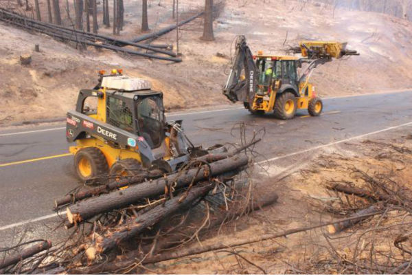 Clearing Highway 120 of Debris <span class=meta>(KFSN Photo&#47; Mike McMillan - USFS)</span>
