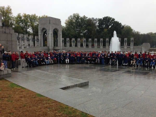 "<div class=""meta ""><span class=""caption-text "">Big group of Central Valley Honor Flight Veterans at the World War II Memorial (KFSN Photo/ Warren Armstrong)</span></div>"